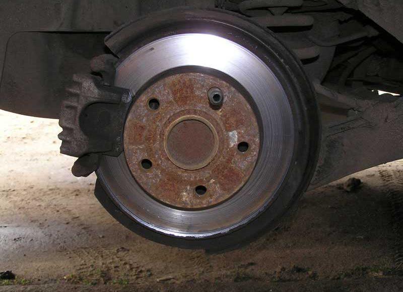 Замена задних тормозных дисков