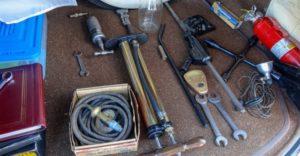Инструменты в автомобиле